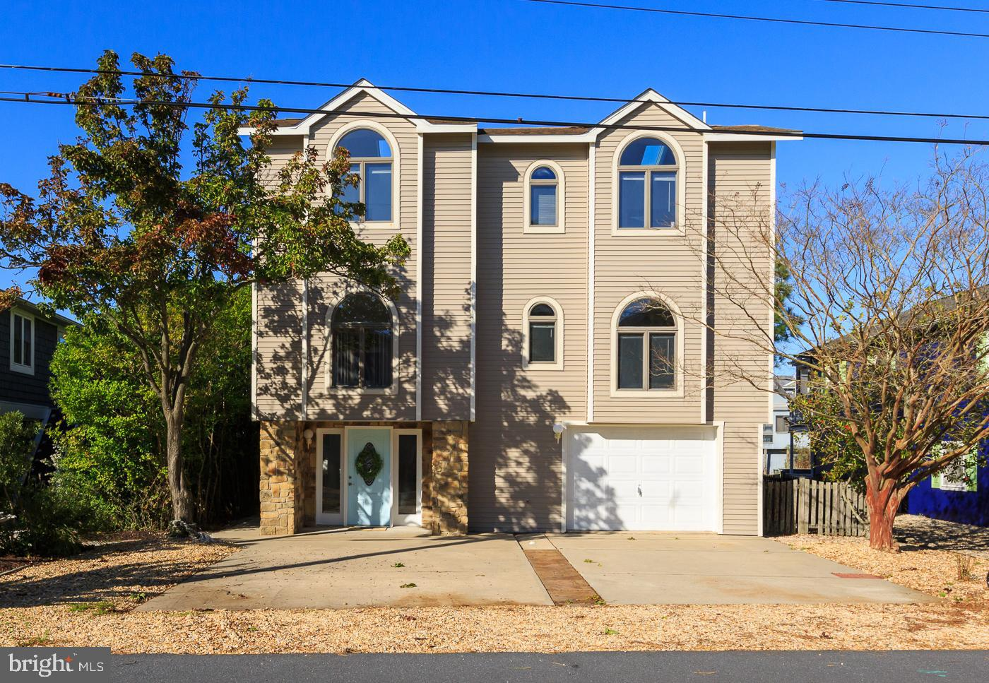 211 BAYSHORE DR   - Best of Northern Virginia Real Estate