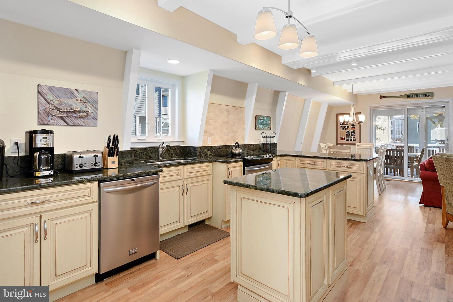 214 4TH ST   - Best of Northern Virginia Real Estate